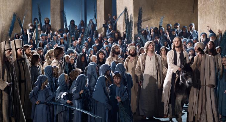 Jesus_enters_Jerusalem_02